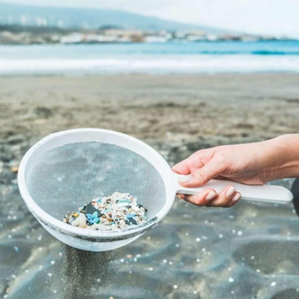 Tirar o microplástico do mar: é possível?